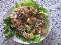 Sałatka z tuńczykiem i gąskami