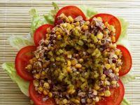 Salatka z tuńczykiem i pomidorami