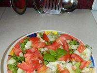 Sałatka z warzyw w sosie koperkowo-ziołowym