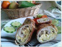 Schabowa roladka z jajecznicą z pieczarkami