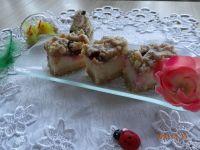 Sernik wiśniowo-migdałowy