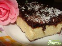 Sernik z czekoladowym spodem