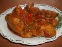 Skrzydełka z kurczaka z warzywami w sosie