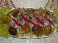 Śledź z marynowanymi grzybami: