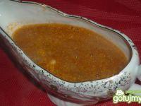 Sos pomidorowy ze świeżą bazylią