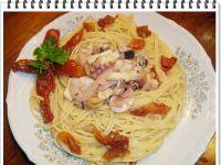 Spaghetti Eli z sałatką z owoców morza