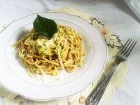 Spaghetti z brokułowym pesto