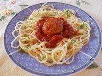 Spaghetti z kulkami i sosem imbirowo - pomidorowym