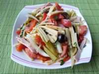 Spaghetti z szynką i warzywami