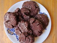 Spękane ciasteczka czekoladowe