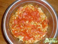 Surówka z kapusty kiszonej z pomidorem