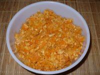 Surówka z kiszonej kapusty, marchewki i jabłka