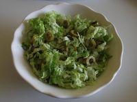 Surówka z pekinki oliwek i koperku