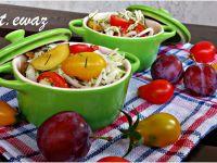 Surówka z pomidorami i śliwkami