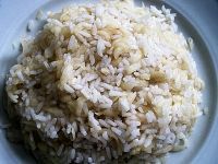 Sypki ryż z jabłkami