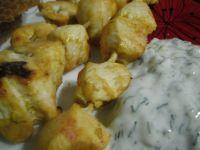 Szaszłyki z kurczaka z sosem jogurtowo - ogórkowym