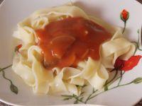 Tagliatelle z pomidorowym sosem