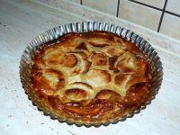 Tarta jabłkowa z falistym brzegiem
