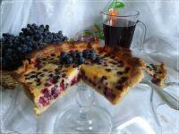 Tarta z jeżynami i polskim winogronem