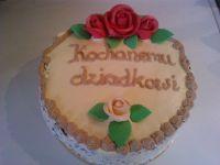 Tort czekoladowo orzechowy