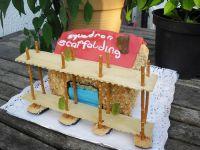 Tort domek z rusztowaniem