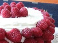 Tort kokosowo - malinowy