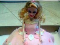 Tort malinowa lala