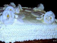 Tort zabajone z brzoskwiniami