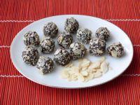 Trufelki czekoladowe z płatkach migdałowych