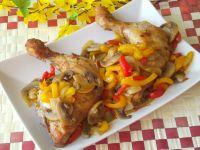 Udka z kurczaka zapiekane z papryką i pieczarkami