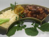 Wątróbka drobiowa z bakaliami i cebulką na ryżu