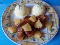 Wieprzowina z ananasem.