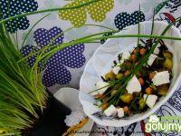 Wiosenna sałatka z cieciorką i ryżem dzi