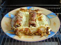 Zapiekane cannelloni z mięsem i sosem serowym