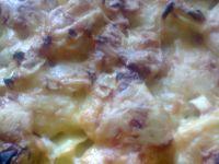 Zapiekanka z ziemniaków i żółtego sera