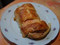 Zapiekany łosoś w skórce z ciasta francuskiego
