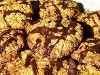Zdrowe ciastka owsiane z orzechami i czekoladą