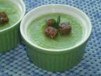 Zielone gazpacho z grzankami razowymi