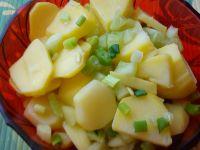 Ziemniaczana sałatka ze świeżym ogórkiem