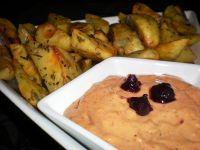 Ziemniaki w ziołach i dip porzeczkowy