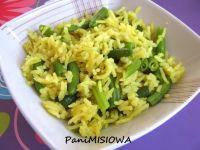 Żółty ryż z fasolką szparagową