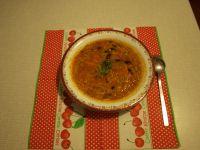 Zupa fasolowa z zielonym groszkiem i makaronem