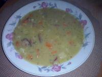 Zupa grochowa na wędzonych kościach
