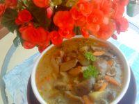 Zupa grzybowa z leśnych podgrzybków
