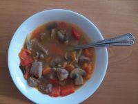 Zupa gulaszowa z dynią i pieczarkami