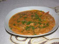 Zupa gulaszowa z makaronem