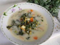 Zupa jarzynowa z jarmużem i kaszą jaglaną