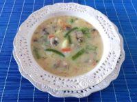 Zupa jarzynowa z pieczarkami