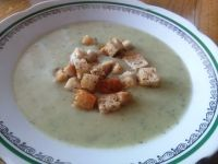 Zupa-krem z cukinii i ziemniaków + grzanki
