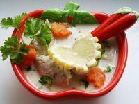 Zupa na głowach szczupaka z rybnymi kluseczkami